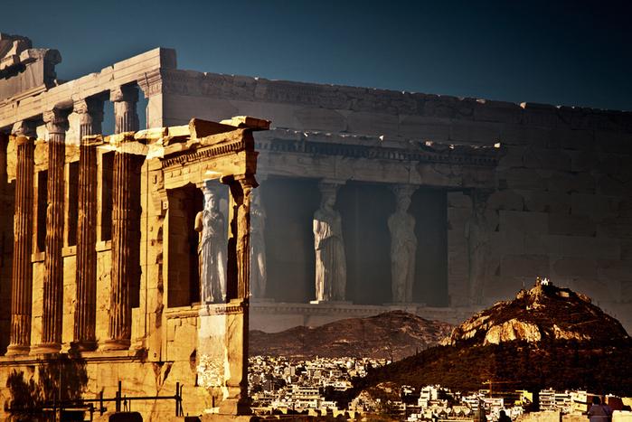 95211176_les_caryatidesathensgreece2011