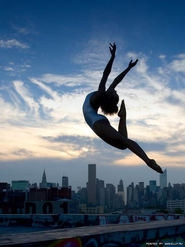 Искусство танца в городской суете (28 фото)