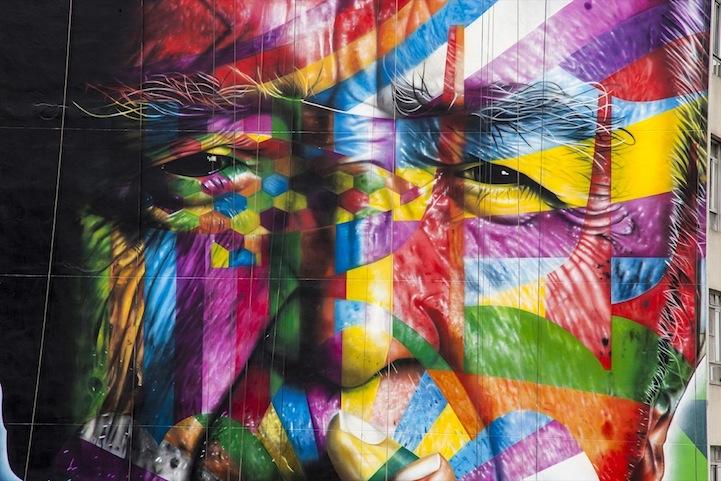 Красочная 50-метровая экспозиция памяти Оскара Нимейера