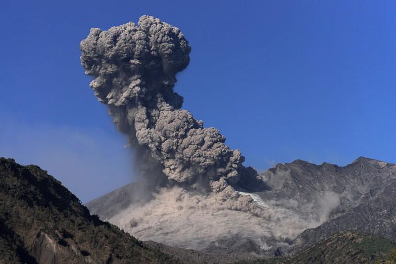 izverzhenie-vulkana-1