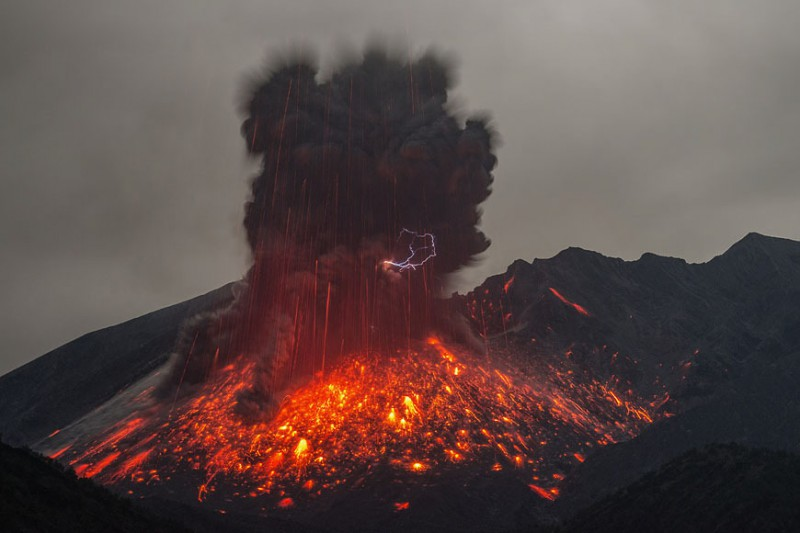 izverzhenie-vulkana-10