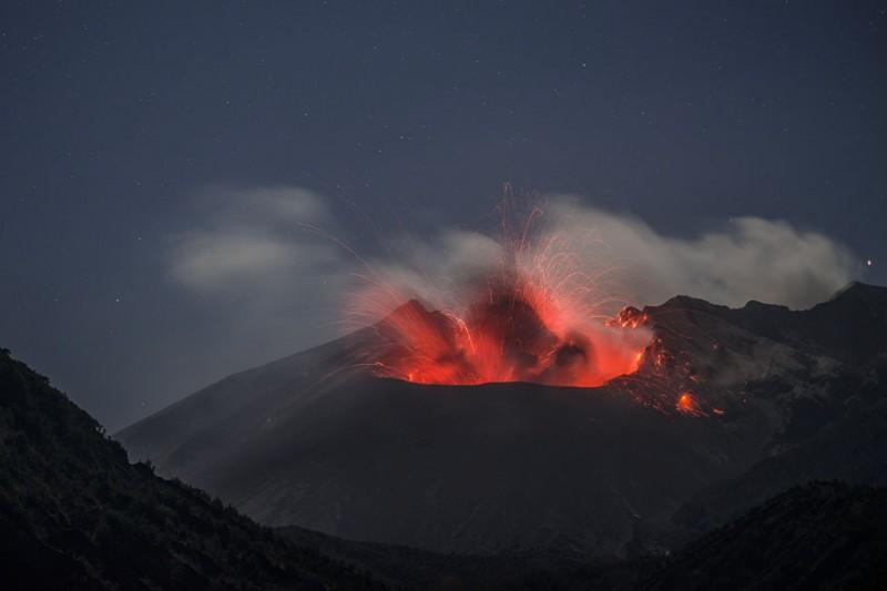 izverzhenie-vulkana-11