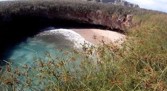 hidden-beach-marietas-islands-puerto-vallarta-mexico-12