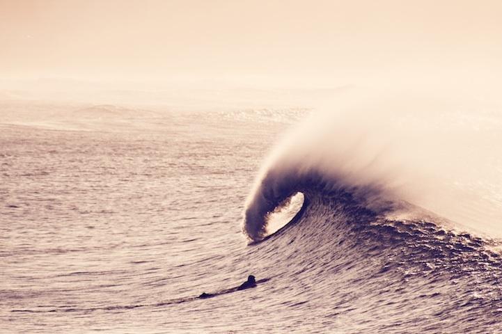 Потрясающие фотографии серферов от Джайдера Лозано