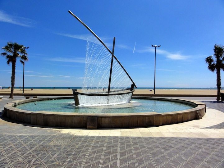 valenciawaterboatfountain2