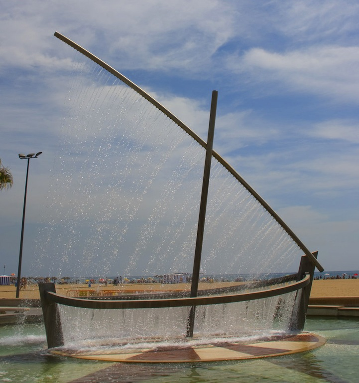 valenciawaterboatfountain3