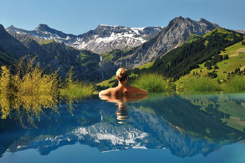 cambrian-infinity-pool-view-swiss-alps-adelboden-switzerland (1)