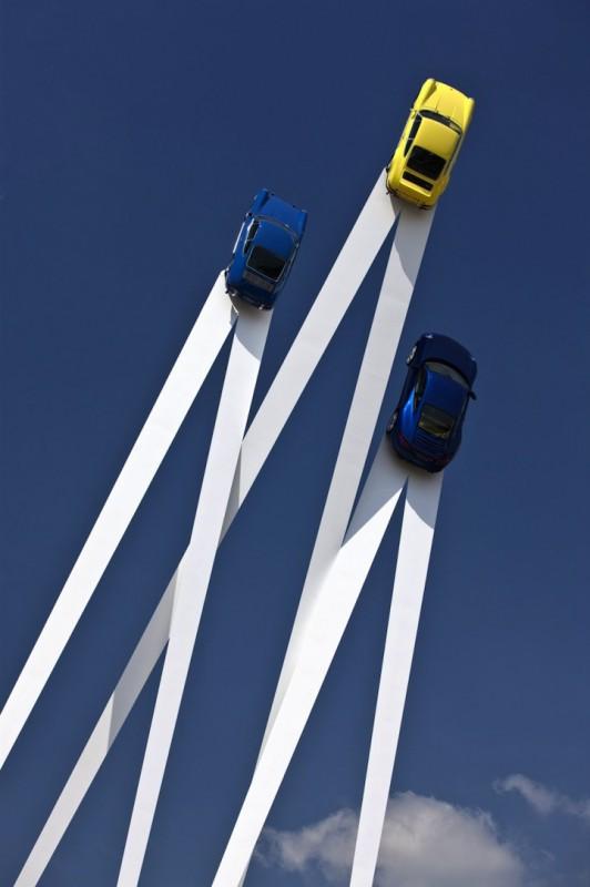 Летающие Porsche на фестивале скорости