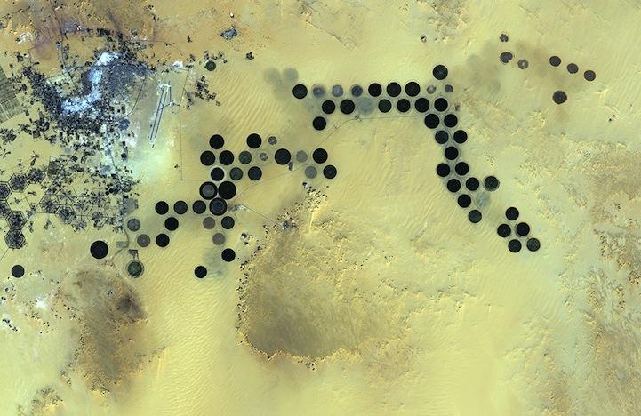ESA8Libyas_Al_Jawf_oasisJan242011