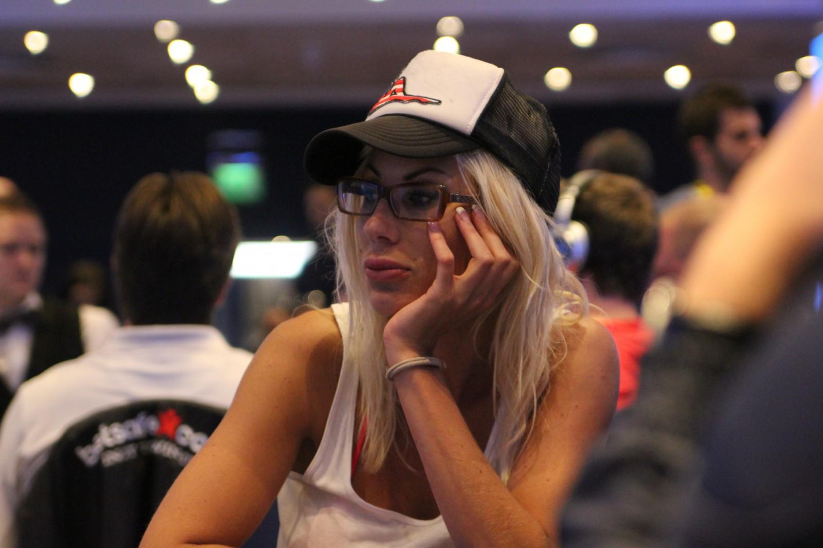 Как сделать хорошие снимки во время турнира по покеру