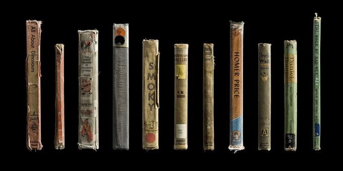 Уходящая красота книг. Фотопроект «Expired»