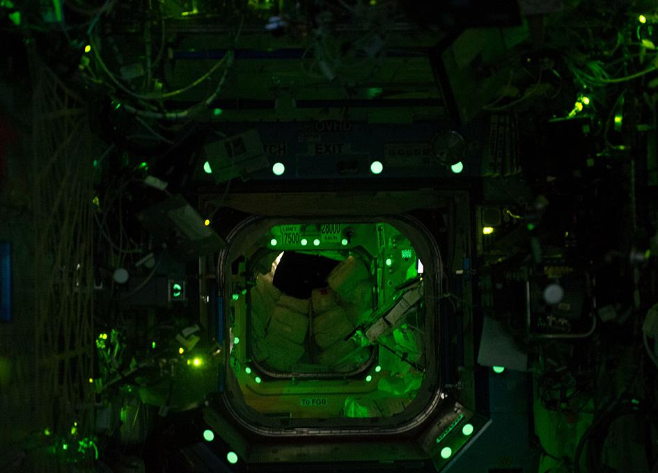 МКС ночью