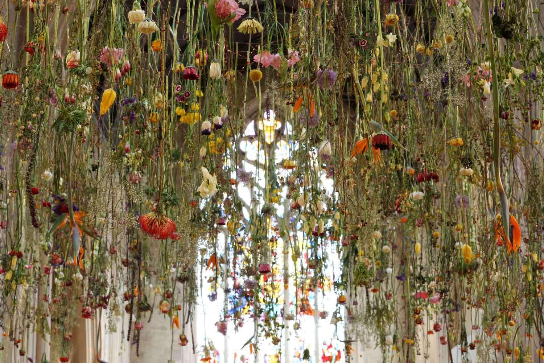 Цветочные инсталляции Ребекки Луиз