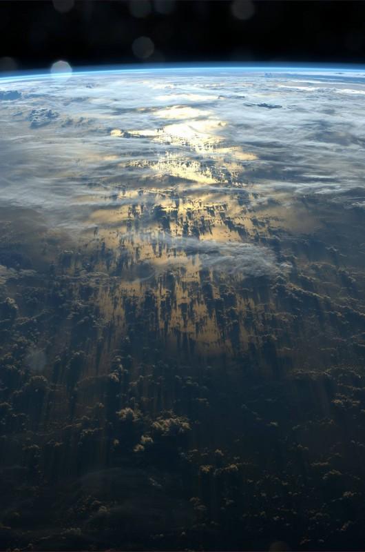 Облачные тени с борта МКС
