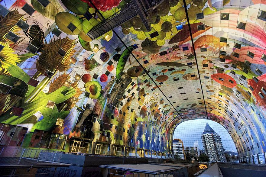 Футуристический рынок Роттердама