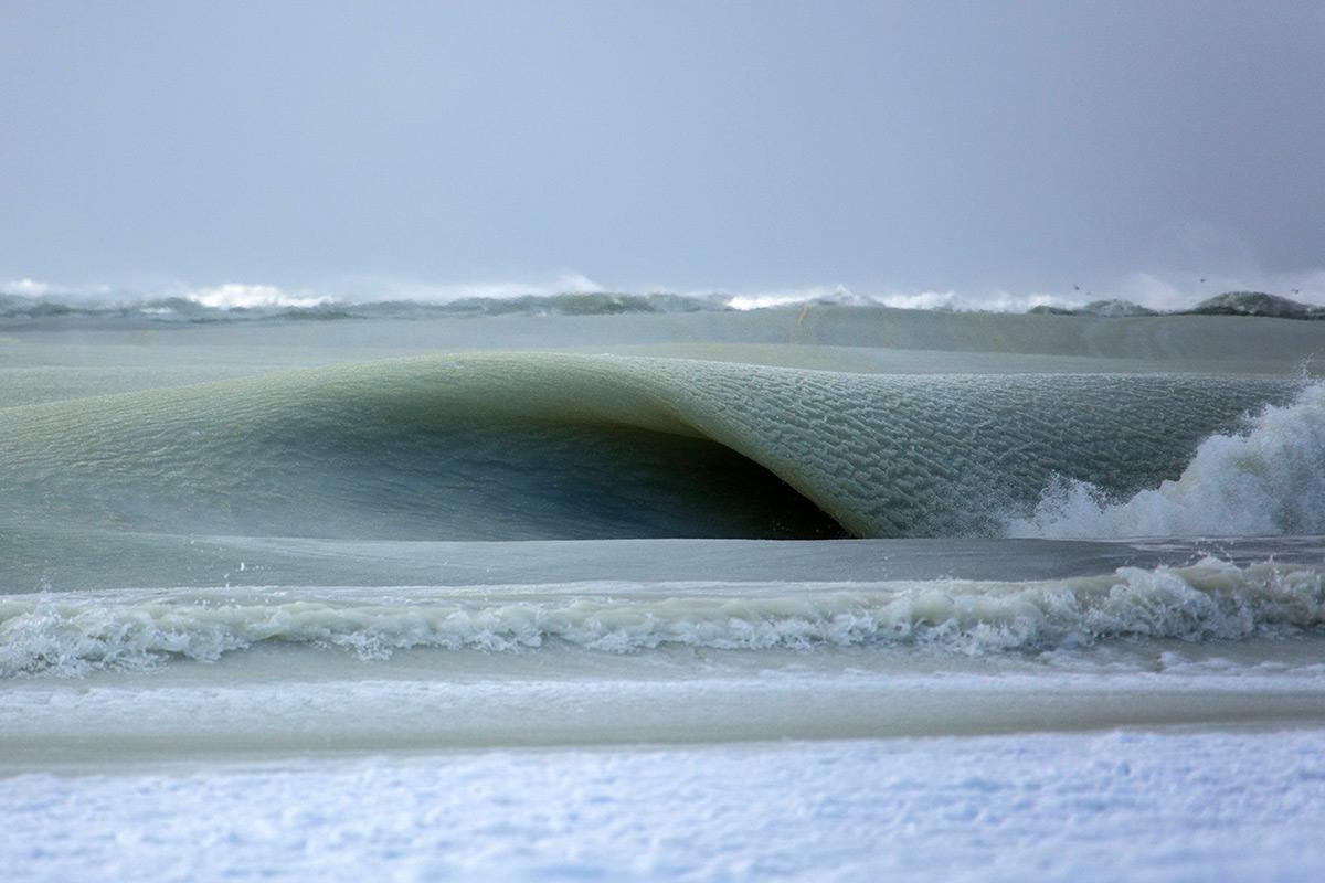 Замерзающие волны