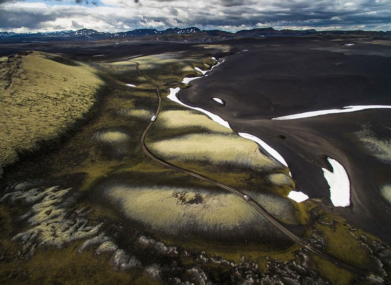 iceland-aerial-photos-by-jakob-polomski-21