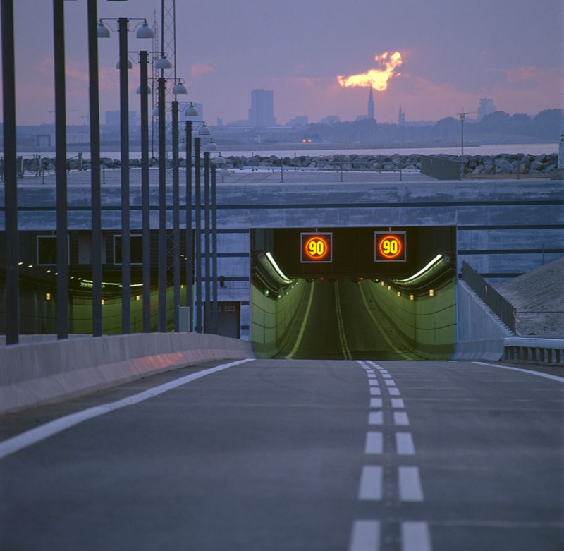 tunnel-bridge-oresund-link-artificial-island-sweden-denmark-12
