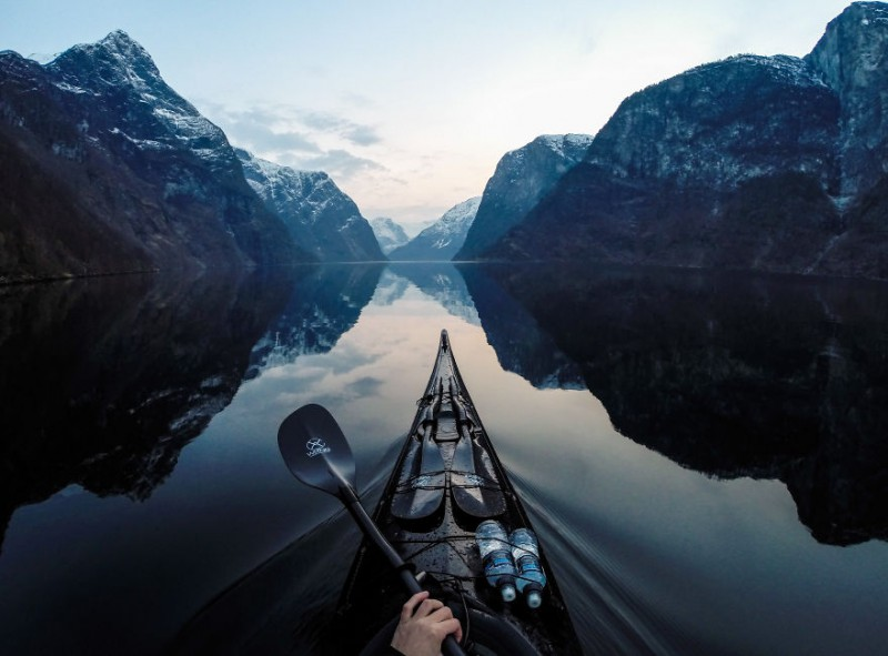 The-Zen-of-Kayaking-I-photograph-the-fjords-of-Norway-from-the-kayak-seat11__880